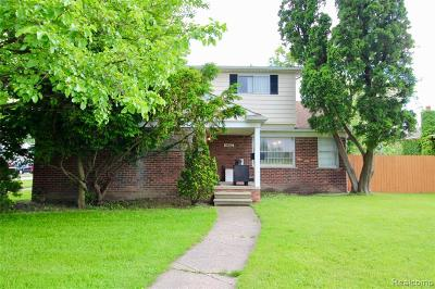 Oak Park Single Family Home For Sale: 14101 W 10 Mile