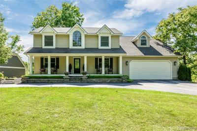 South Lyon Single Family Home For Sale: 8277 Tower Rd