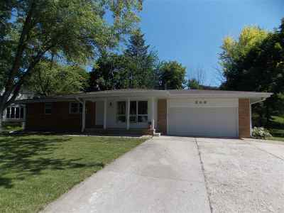 Lenawee County Single Family Home Contingent - Financing: 209 Sunset