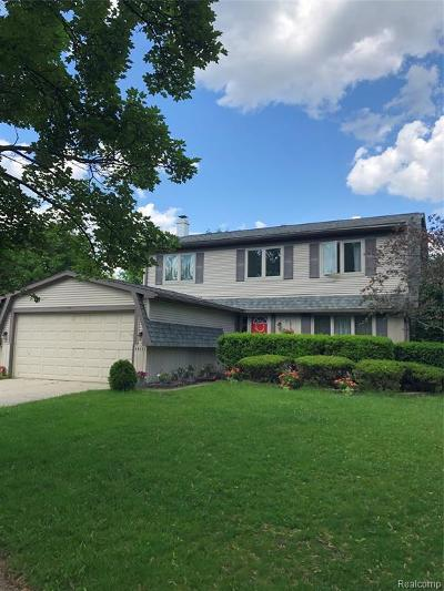Plymouth Single Family Home For Sale: 44531 Anne Crt