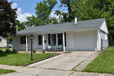 Lenawee County Single Family Home Contingent - Financing: 112 Canterbury St