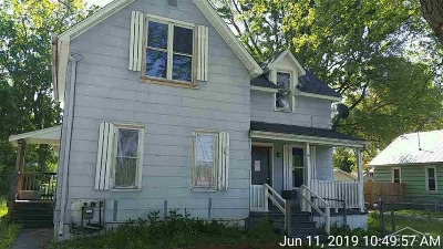 Single Family Home For Sale: 623 Pine