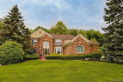 Plymouth Single Family Home For Sale: 11887 Deer Creek Run