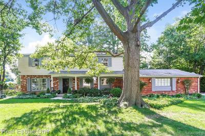 Farmington Hill Single Family Home For Sale: 30024 Woodbrook St