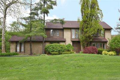 Farmington Hill Single Family Home For Sale: 31101 Westwood Rd