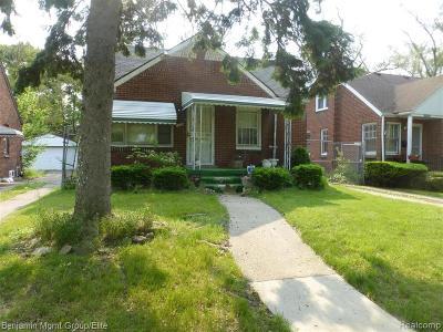 Single Family Home For Sale: 18312 Grandville Ave