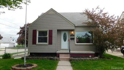 Single Family Home For Sale: 486 Lincoln Ave