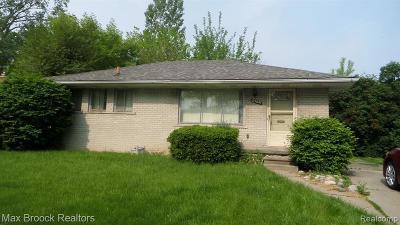 Oak Park Single Family Home For Sale: 23041 Cloverlawn St