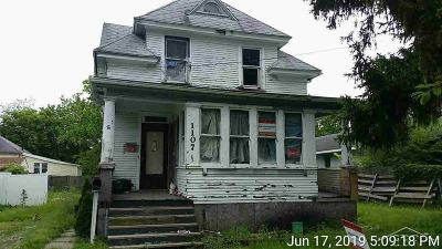 Single Family Home For Sale: 1107 State