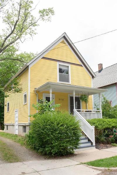 Ann Arbor Single Family Home For Sale: 212 Murray Ave