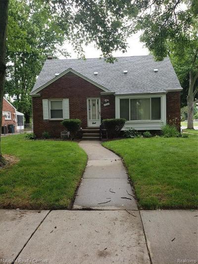Oak Park Single Family Home For Sale: 24600 Ridgedale St