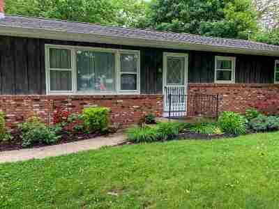 Lenawee County Single Family Home For Sale: 1931 Ottawa Dr