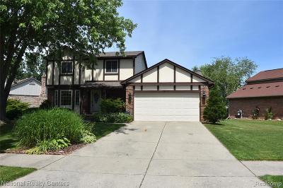 Livonia Single Family Home For Sale: 15717 Swathmore Ln