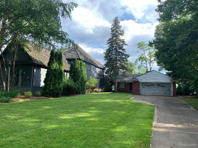 West Bloomfield Single Family Home For Sale: 6575 Alden Dr
