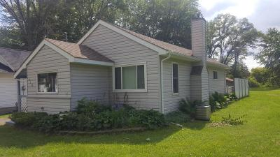 Jackson County Single Family Home Contingent - Financing: 818 Fairyland Ave
