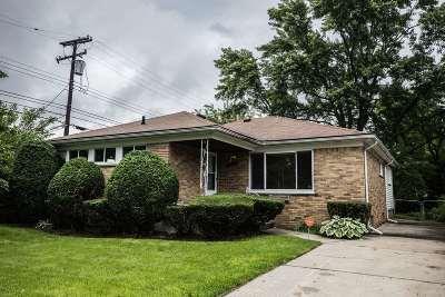 Oak Park Single Family Home For Sale: 22190 Cloverlawn St