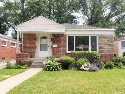 Oak Park Single Family Home For Sale: 13681 Elgin St