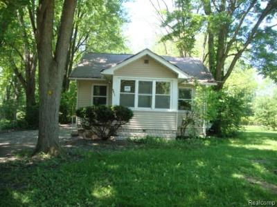 Single Family Home For Sale: 2455 Bertha Ave