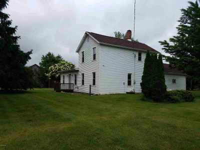 Jonesville MI Single Family Home For Sale: $205,000