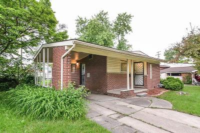 Oak Park Single Family Home For Sale: 23035 Oakcrest