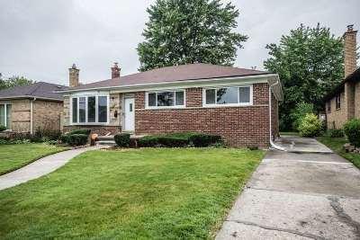 Oak Park Single Family Home For Sale: 22011 Westhampton St