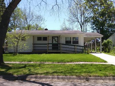 Single Family Home For Sale: 508 Fitzner Dr