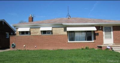 Single Family Home For Sale: 8306 Vine Ave