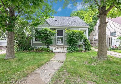 Oak Park Single Family Home Contingent - Financing: 8720 Saratoga St