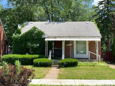 Single Family Home For Sale: 9090 Stahelin Ave