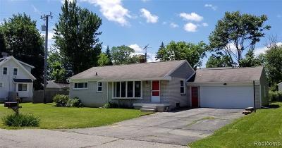 Farmington Hill Single Family Home For Sale: 21105 Oxford Ave