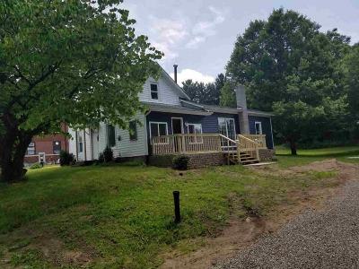 Jonesville Single Family Home For Sale: 472 E Chicago St