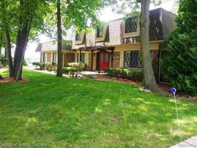 West Bloomfield Single Family Home For Sale: 5962 Cherry Crest Dr