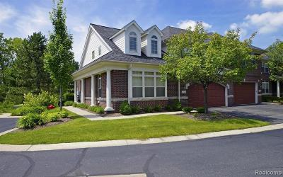 West Bloomfield Condo/Townhouse For Sale: 7246 Gateway Dr