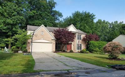 Farmington Hill Single Family Home For Sale: 37853 Glengrove Dr