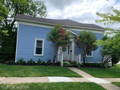 Milford Multi Family Home For Sale: 402 Hickory St
