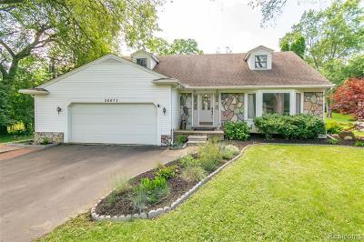 Farmington Hill Single Family Home For Sale: 26071 Pillsbury St
