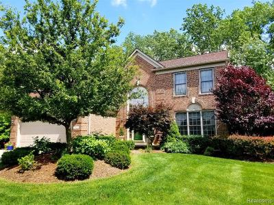 West Bloomfield Single Family Home For Sale: 4935 Cherry Blossom Cir