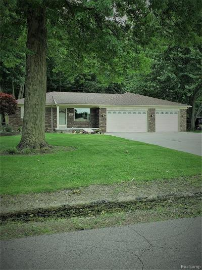 Livonia Single Family Home For Sale: 30550 Rayburn St