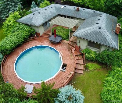 Milford Single Family Home For Sale: 1589 Forest Hills