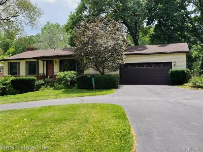 Livonia Single Family Home For Sale: 29075 Terrence St