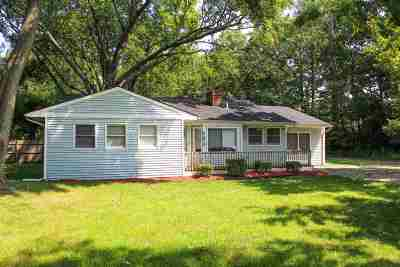 Plymouth Single Family Home For Sale: 41810 Five Mile