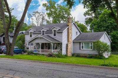 Milford Single Family Home For Sale: 440 Crystal St