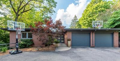 Ann Arbor Single Family Home For Sale: 18 Regent Dr
