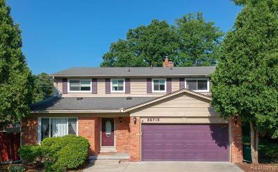 Farmington Hill Single Family Home For Sale: 23719 Cora Ave