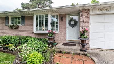 Novi Single Family Home For Sale: 23571 E Le Bost