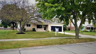 Livonia Single Family Home For Sale: 37248 Vargo St