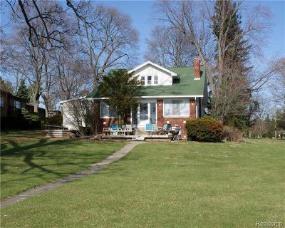 West Bloomfield Single Family Home For Sale: 3193 Interlaken St