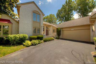 West Bloomfield Condo/Townhouse For Sale: 7407 Sherwood Creek Crt