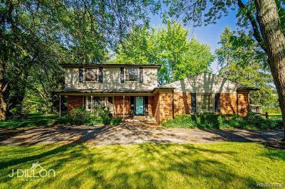 Farmington Hill Single Family Home For Sale: 23690 W Newell Cir