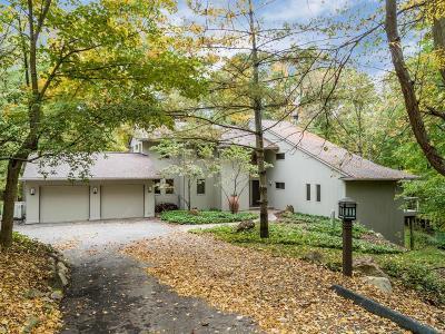 Ann Arbor Single Family Home For Sale: 3732 Oakmore Ct